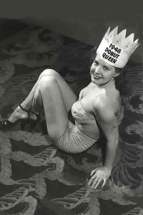 Для победы в этом конкурсе девушке даже не пришлось одевать аксессуары в виде пончиков.